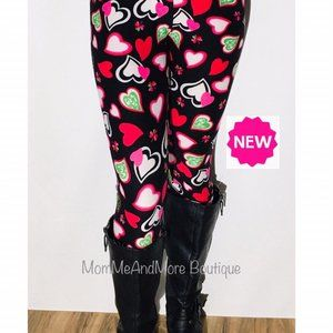 NEW Womens Pink Green Heart Leggings